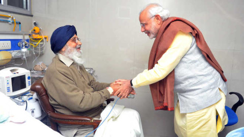 Narendra Modi  Meets Badal At PGI
