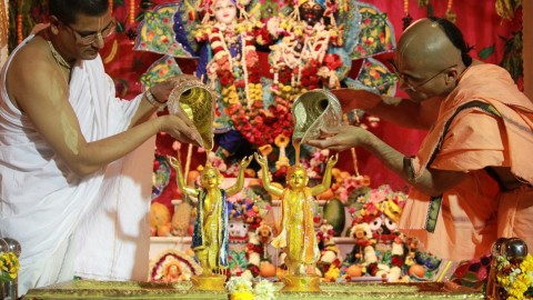 Janmashtmi Was Celebrate In Chandigarh Temples With Great Enthusiasm