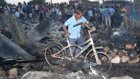 3 Hurts And 15 Hutments Demolish In Mohali Fire Broke Out
